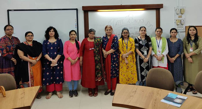 Kohinoor Business School conducted a workshop, for the female faculty and staff of Dr. V. N. BRIMS, Thane -  KBS